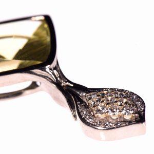 Unikat Ketten Anhänger mit Diamanten | Anfertigung eines neuen Schmuckstücks aus einem Erbstück | Silber, Lemoncitrin, Weißgold und Diamanten | Anina Caracas